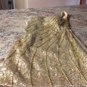 Dresses & Skirts - Beautiful gold sequined dress.